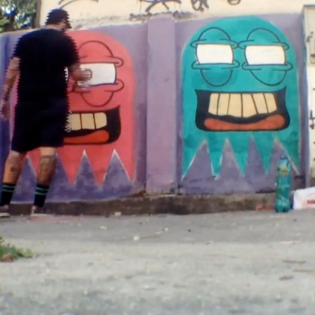O vídeo de hoje.  #streetartrio #trapacrew