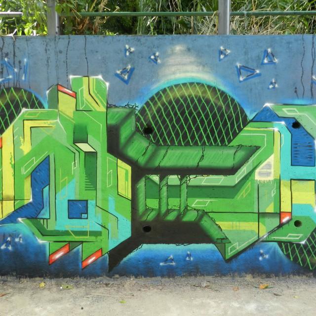 Resistir. #tick #streetartrio #letras #graffiti #rua #junglegraffit