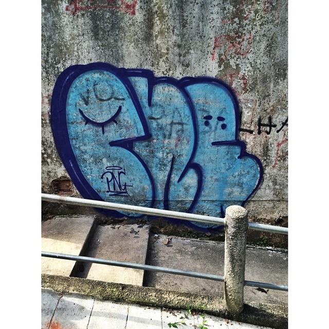 bom dia!  • #tagsandthrows #streetartrio #pngone