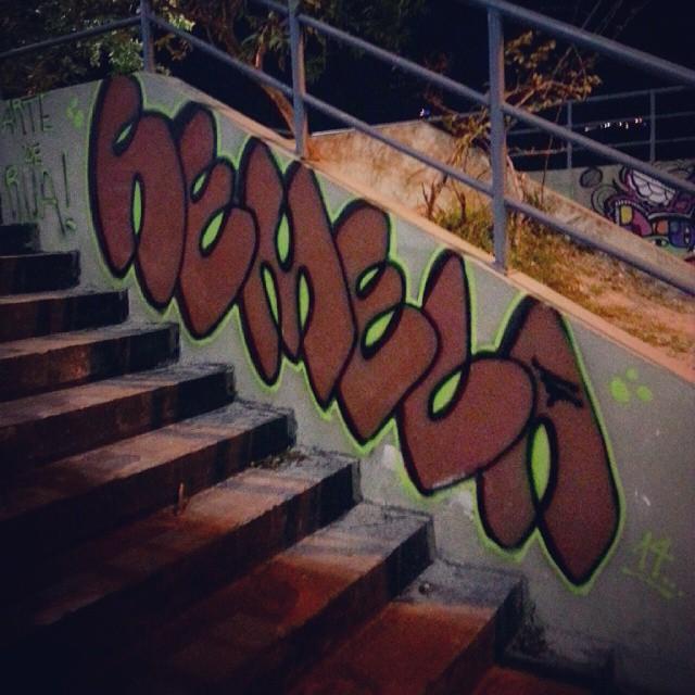 #bomb na #escada #Graffiti #StreetArt #streetstyle #streetartrio #bombstyle