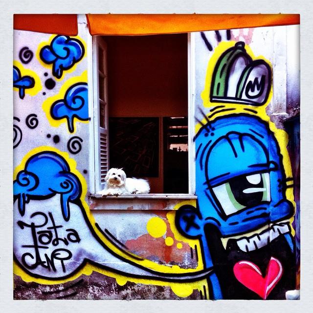 #graffiti #graffitiart #urbanart #streetart #instagraffiti #stencil #streetartsp #mtn94 #spray #montanacans #sprayart #artederua #arteurbana #cachorro #xarpi #stickerart #blackbook #pixo #spraycan #graffitiwall #stickerslap #instagrafite #design #littledog #dog #ironlak #cartoon #sketch #pet #streetartrio