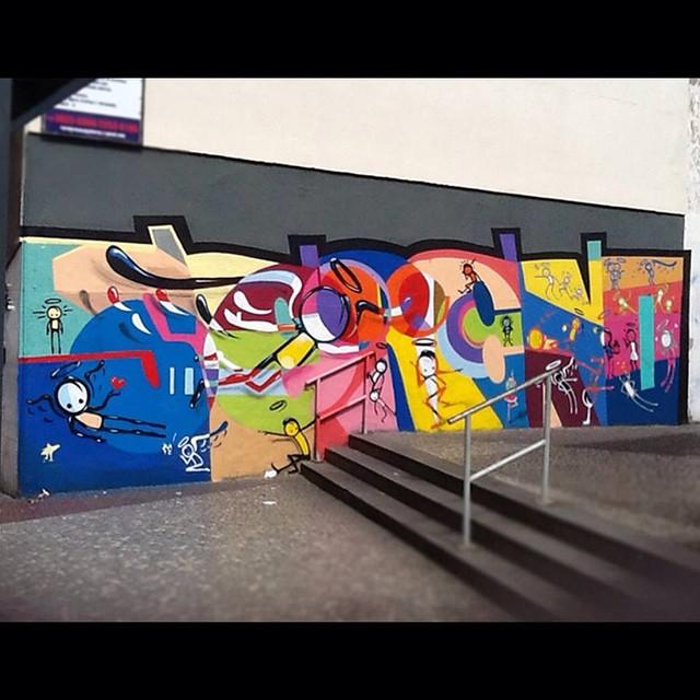 #sereno #contraataquesereno #aerosol #artederua #arteurbana #urbanart #graffiti #instagraffiti #metrodasiqueiracampos #positivevibrations #rioeuteamo #streetart #streetartrio #fullcolors @warkrocinha