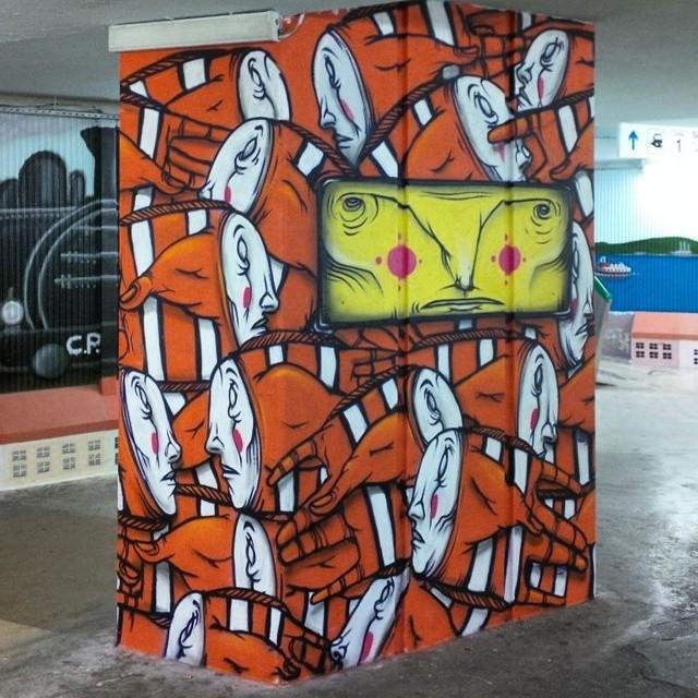 #streetart #streetgraff #street_art_and_graffiti #streetartadelaide #streetarteverywhere #streetphotography #streetartistry #streetartrio #streetartutopia #streetartofficial #wallart #murals #grafiteros #elgraffiti #graffiti #graff #graffitiart #graffitiunderground #graffitiworld #graffitichannel #graffitiartists #urbanwalls #urbanexploration #cityart #ilovegraffiti #sprayart #aerosolart #spraydaily