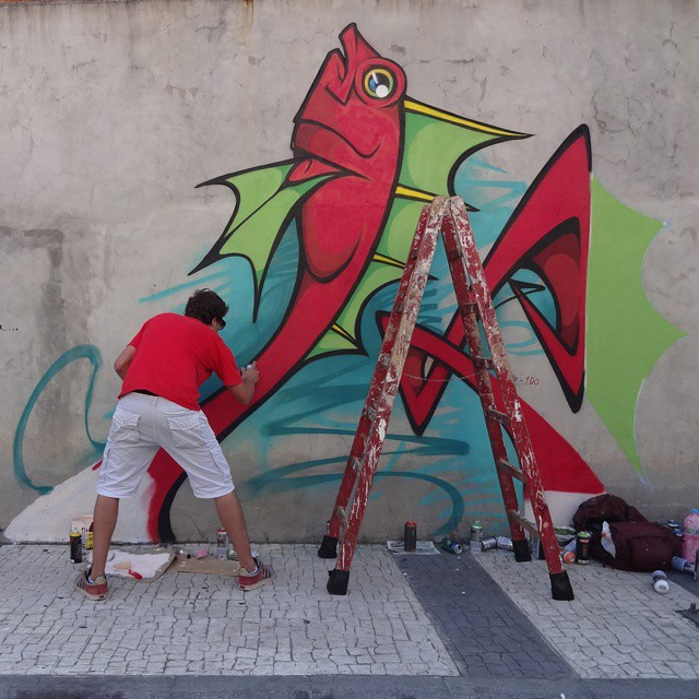 Artist @fgaru in action during the Art Rua event. #garuart #artrua #riostreetart #streetartrio #urbanart #graffitiart #streetart #artederua #arteurbana #graffitibrasil #riodejaneiro