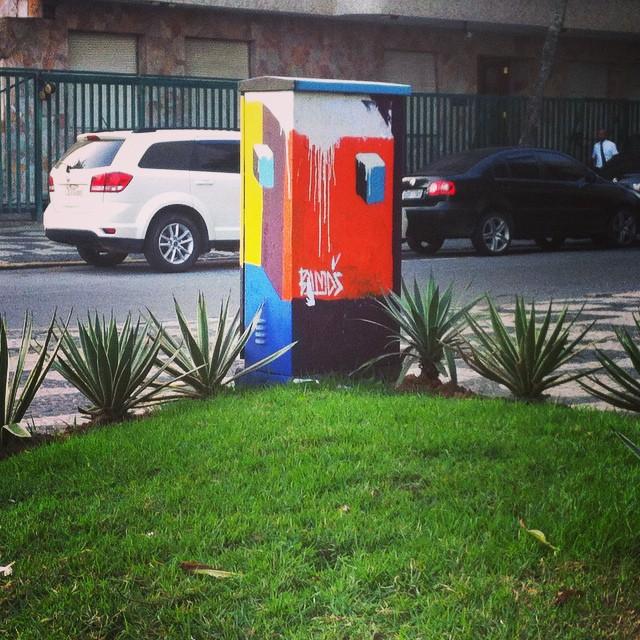 #Bands. #monolito. #streetartrio