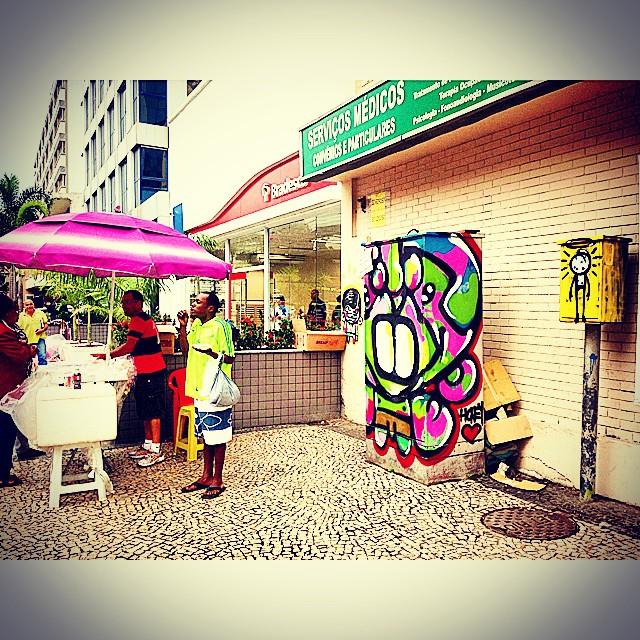 Dia cinza mas a rua ta colorida! #graffiti #djonereal #marygirl #honey @sockppxi  @warkrocinha