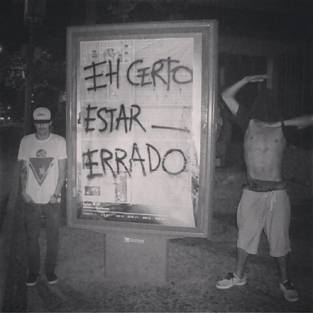 Direro do tunel do tempo... @surtoclan para @_cabron em 2012 #ehcertoestarerrado #cabron #vandal #surto #surtoclan #2012 #streetartrio