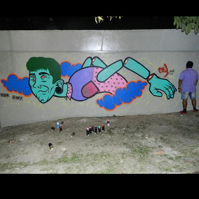 Domingão! #art #arte #pintura #painting #muro #rua #spray #streetartrio #urbanart #arteurbana #urbano #americas #streetart #artederua #instagrafite #galeriaaceuaberto #artedodia #arte #Wakingteam #waking #mtn #Dk #riodejaneiro #RJ