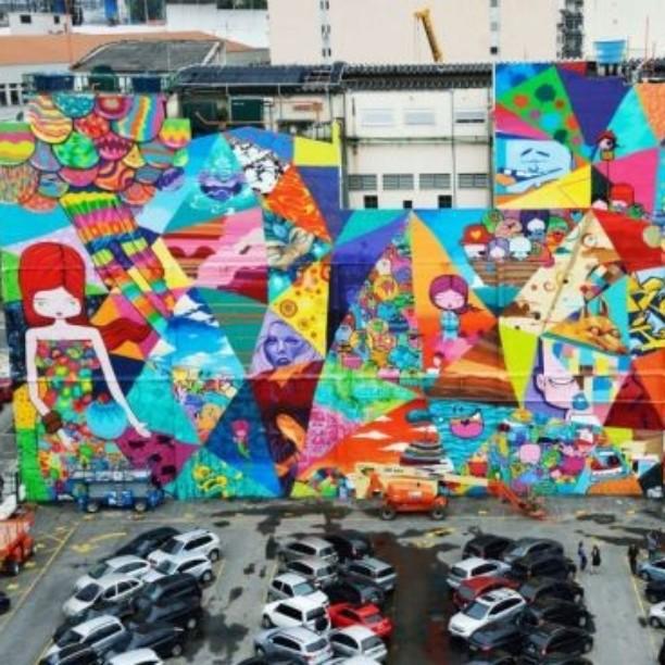Essa obra linda é de @tozfcb e faz parte do maravilhoso acervo da terceira edição do @artrua que rola na Gamboa até domingo. Simplesmente imperdível! Mais informações no blog: www.zonanorteetc.com.br #riodejaneiro #errejota #rio #rj #zonanorterj #znrj #zn #zonanorte #carioca #cariocagram #fotododia #cariocapics #vidazn #021 #toz #artrua #artrio #StreetArtRio #artrua2014 #instagrafite #grafite #street #arte #agenda #gamboa #streetart #instaart #urbanart