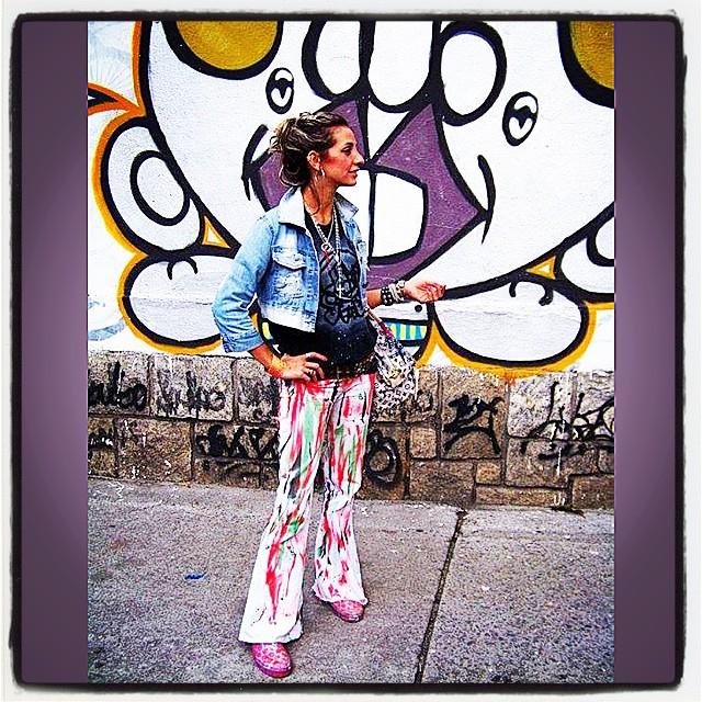 First photos #idolnostyle (2011) #graffiti & #photo by #djonereal #look #custom #idolno #artespray #styling #marygirl #artcollective @idolnoproject  #artederua #arteurbana #streetart #streetartrio #streetstyle