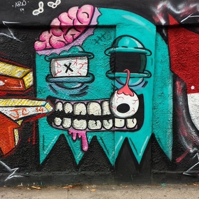JC @juliojcrj  pelos muros do Grajaú... #streetphoto_brasil #rsa_graffiti #tv_streetart #dsb_graff #best_streetview #splendid_urban #daros_city #mycity_life #exploremycity #teamoddshots #blood_n_bone #streetart #streetartrio #grafitebrasil #artederua #urbanart #graffitiart #carioquissimonovosolhares