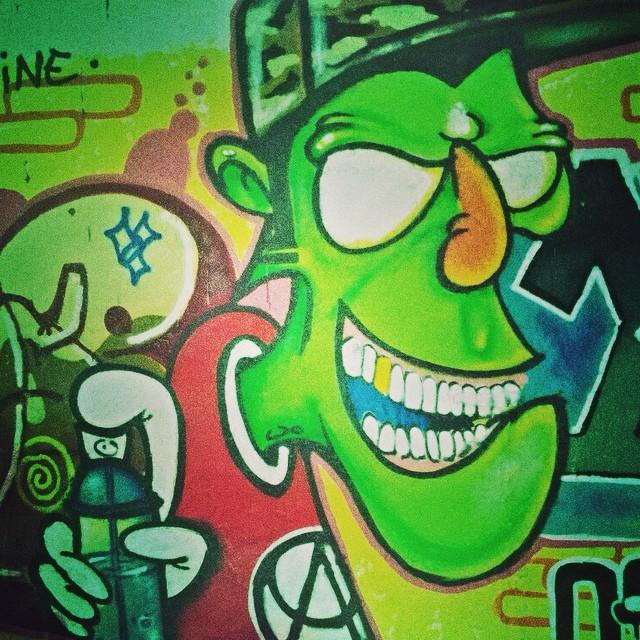 Monster writer #artistasurbanoscrew #danort #ruasdazn #suburbiocarioca #graffiti #graffitirj #spraypaint #collors #StreetArtRio #streetwriters #writers #personagem #instagraffiti #amoarte #loveart #cans #urbanart #artederua #arteurbana #ipr630 #wallcolors #graffitiwriters #graffitilovers #worldgraffiti 2014