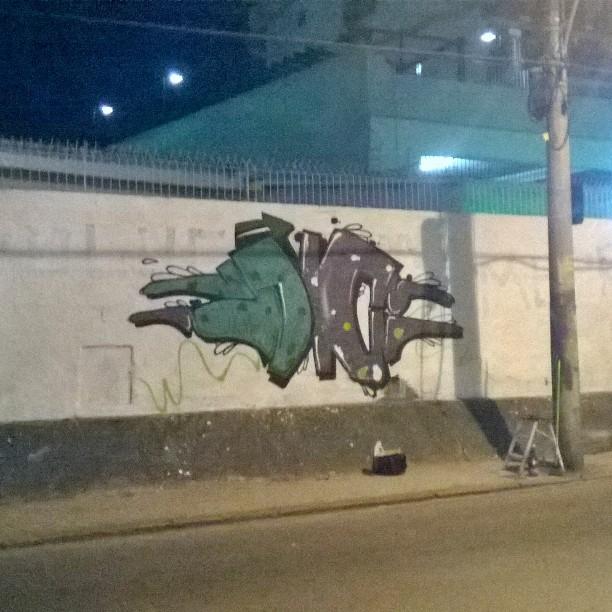 Ontem com a trapa muro em,processo!! JC ainda 14 !! #instaart #spray #riodejaneiro #rj #instagraffiti #graffiti #graffite #artederua #art #artist #urbanart #graffitibrazil #graffitebrazil #loveart #spraypaint #streetart #freestyle #graffitirj #graffrio #rua #mtn #hiphop #streetartrio #ruasdazn #trapacrew #tafaltandomuro