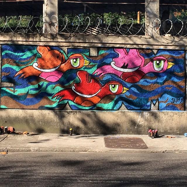 Personagem novo, detalhe na asa. #dum #instagrafite #graffiti #montana94 #artederua #arteurbana #graffiticarioca #streetart #streetartrio #riodejaneiro #rj #zonanorte #grajau