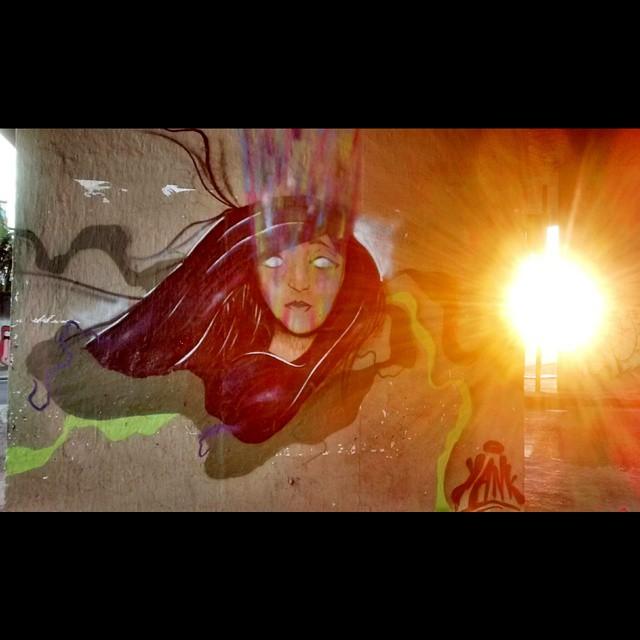Por do sol #instagrafite #instagraff #instreetart #misturaurbana #galeriaaceuaberto #grafitebrasil #grafite #graffiti #graffitiworldtv #streetartrio #streetart_official #streetrio #streetart #urbanart #bepartofstreet #besidecolors #rsa_graffiti #artesemfronteiras #artrua #arteruario #streetart_