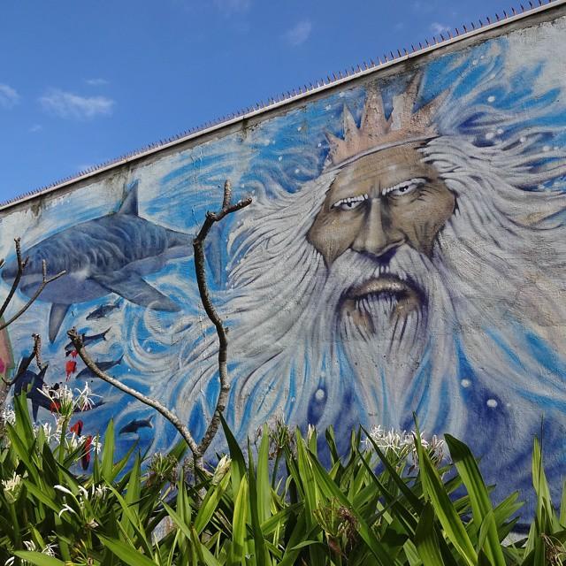 Sea on the wall at Arpoador Beach. #neptune #netuno #shark #tubarão #sea #oceano #riostreetart #streetartrio #urbanart #graffitiart #streetart #artederua #arteurbana #graffitibrasil #arpoador #riodejaneiro