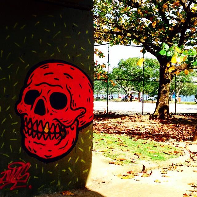 #art #artederua #artenarua #bestrio #biscoitoglobo #bannercarioca #cariocagram #cariocadagema #destinoerrejota #errejota #graffiti #graffitiart #muros #olheosmuros #popart #pelasruas #pelosmuros #riopostcard #street_art #streetartrio #urbanart #vemprorio #rio365 #rioetc #riomais #riolifestyle #registrocarioca