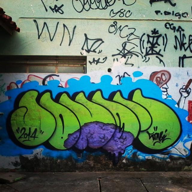 #bomb #graffiti #ruasdazn #streetartrio #streetart #sonbil #brazil De leve...