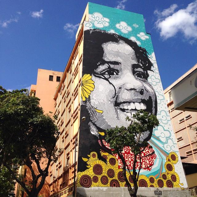 foto de @ArteRuaRio & arte de rua - stencil de Izolag Armeidah @izolag e colorido de Ananda Nahu @anandanahu | #ArteRuaRio #izolag #anandanahu