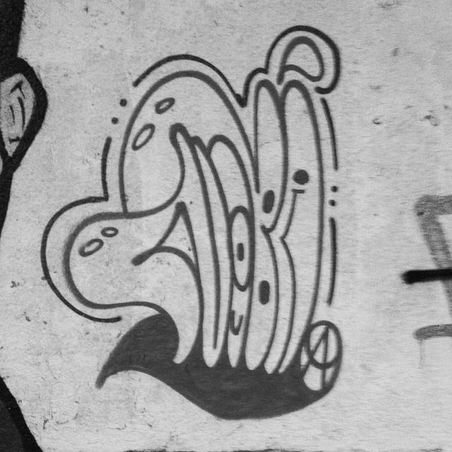 #tagsandthrows #throwup #tag #streetartrio #streetwriters #writers #spraypaint #cans #culturamarginal #urbanart #worldgraffiti #ruasdazn #tintanosmuros #aucrew