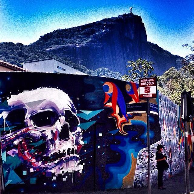 #zumaicedtea curte #streetartrio! Foto: @rioshots #grafitte #toz #streetart #chapreto #chaverde #chabranco #chagelado #errejota