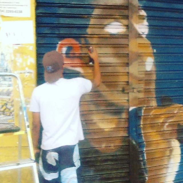 A construção... #ilovebombing #streetartrio #street #art #brazil #graffiti #instaart #spray #riodejaneiro #rj #instagraffiti #graffiti #graffite #artederua #art #artist #urbanart #graffitibrazil #graffitebrazil #loveart #spraypaint #streetart #freestyle #graffitirj #graffrio #rua #hiphop #romastreetart