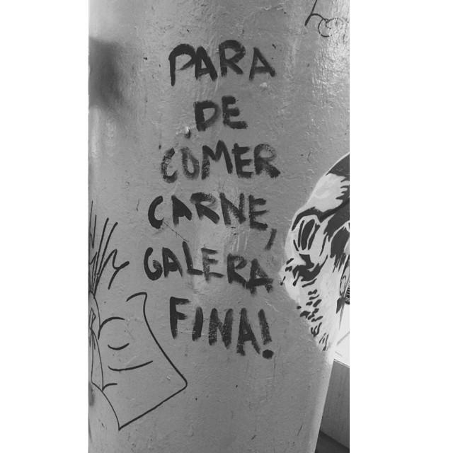 A rua tem poder! A carne é fraca, gente fina. #streetartrio