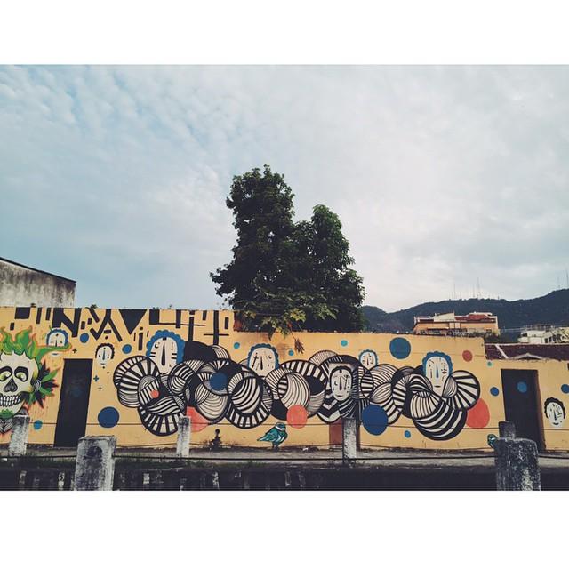 Circles. #vsco #vscocam #vscogrid #streetartrio #iphoneonly
