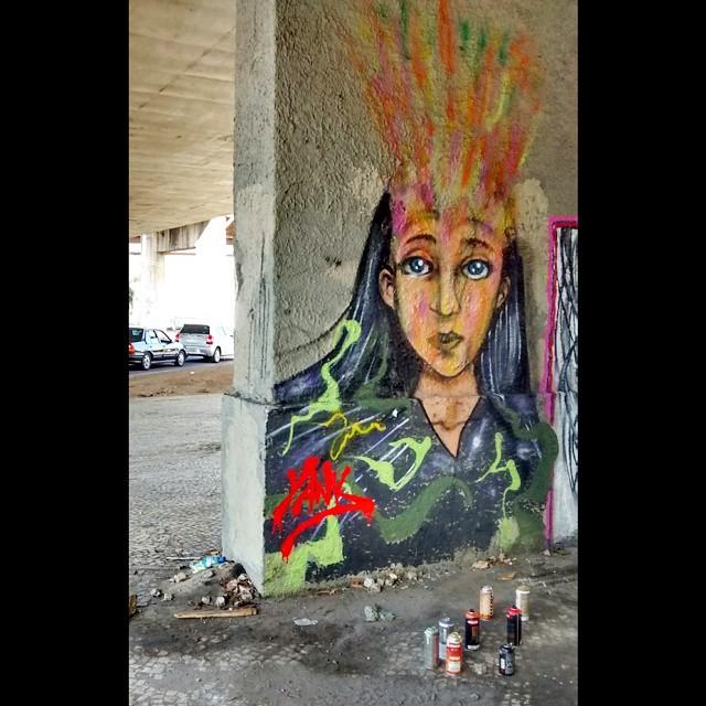 Depois da votação de hoje.. Rolé com o @thalesjorb #instagrafite #instagraff #graffiti #grafite #ruasdazn #streetart #streetartrio #urbanart #galeriaaceuaberto #bepartofstreet #instreetart #artesemfronteiras #misturaurbana