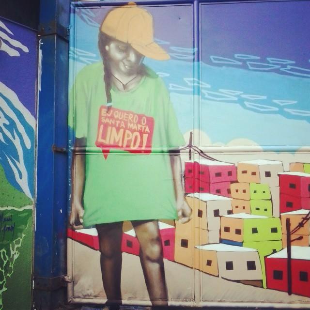 Detalhe do mural de ontem no Santa Marta na ação Eu Quero o Santa Marta Limpo! Retratei a minha irmã. Estudando melhorando sempre. Mais uma vez obrigado a todos que participaram! #tick #streetartrio #spraycan #graffiti #montanacolors #mtn94