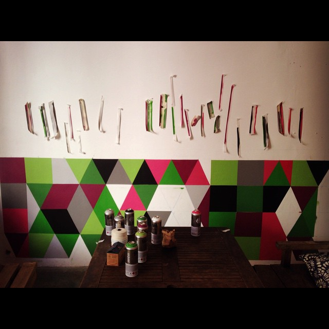 Dia 3 Nós na fita!! #grid #geometric #graffitiart #colors #mga #continuous #streetartrio #riodejaneiro