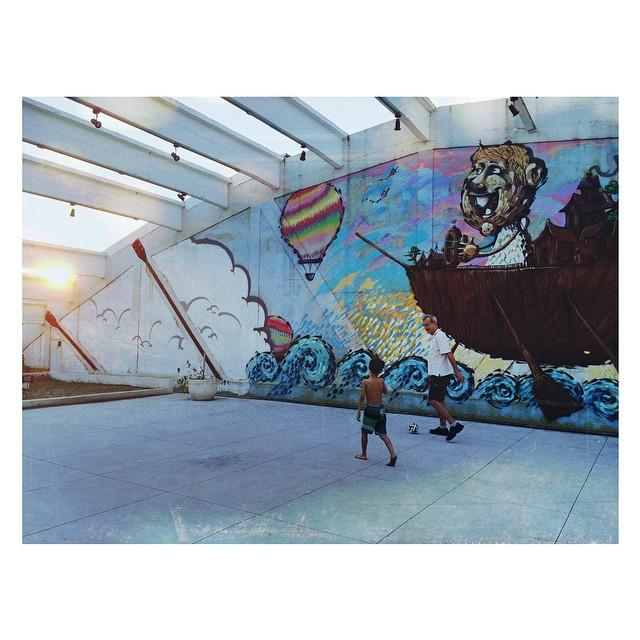 É dia. #streetartrio #graffiti #sunset
