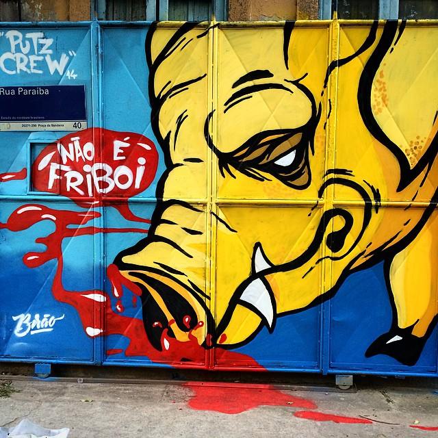 Finished #putzcrewgraffiti #putzcrew #art #artrio #artrua #sprayart #streetart #streetartrio #freehand #graffiti #handmade #bacon Com @dozetreze