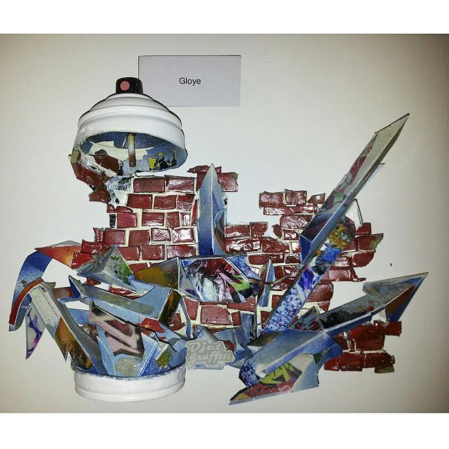 GLOYE (Repost) Escultura na lata #gloye #graffiti #letras #wildstyle #lettersdesign #tags #throws #collors #spraypaint #art #texture #streetart #streetartrio #letters #letrasgraffiti #sculpture #artes #SPRAY #artederua #brazilianart