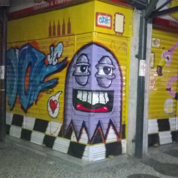 Kilocal!! Tijuca trapacrew! #instaart #spray #riodejaneiro #rj #instagraffiti #graffiti #graffite #artederua #art #artist #urbanart #graffitibrazil #graffitebrazil #loveart #spraypaint #streetart #freestyle #graffitirj #graffrio #rua #mtn #hiphop #streetartrio #ruasdazn #trapacrew #tafaltandomuro