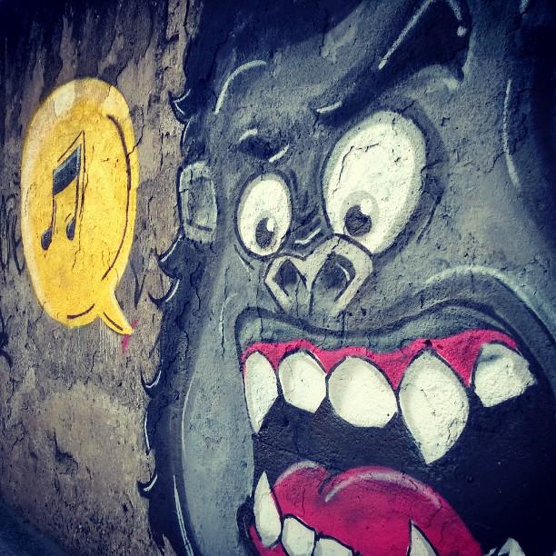 Mais um! E seguimos evoluindo... #errejota #nortecomum #graffitti #streetartrio #streetart #rj #olaria #colorginarturbana #fatcap