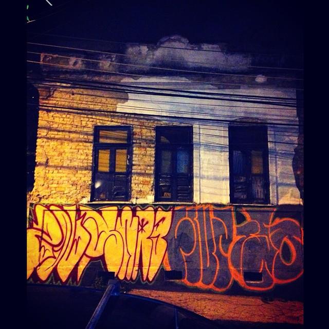 Na area! #graffiti #bomb #ilovebombing #streetartrio #zoup #swag #fiuz #jota #tjo #55 #tvk #tatudo5 #humaita #Vandal