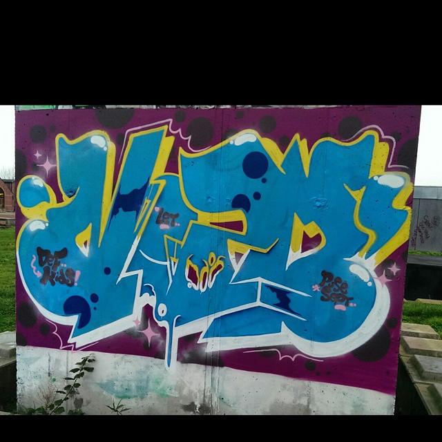 Nozm #graffitiwriting #graffiti #Graff #graffitiwork #graffbex #graffitilover #stateyourname #streetgraff #cityart #citystreetart #graffitiart #wallburner #arteverywhere #aerosolart #klotter #streetart #street_art_and_graffiti #streetartrio #streetartphotography #topgraffiti #urbanwalls #urbangraff #urbangraffiti #spraydaily #sprayart #instagraffiti