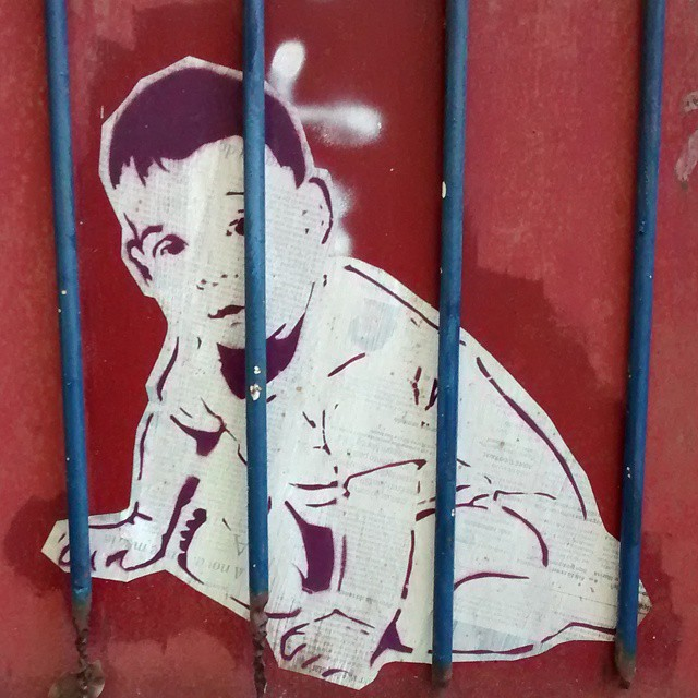 Papa don't preach, is a woman's choice if she'll keep her baby. #womenrights #streetart #streetartrio #riodejaneiro #art