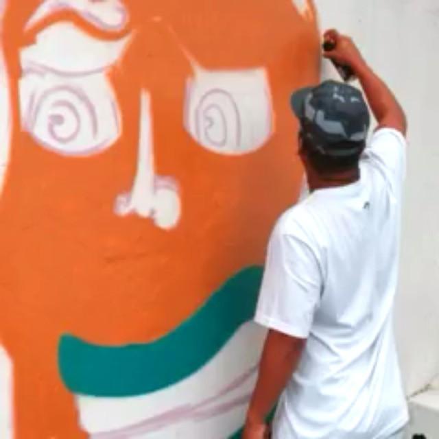 Paz, amor e tinta!!! #ruasdazn #pato #streetartrio #arturbana #graffitiart