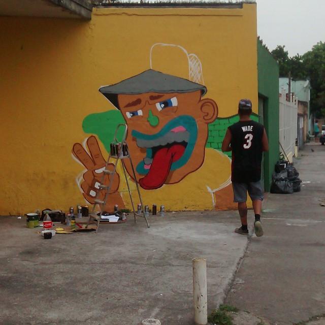 Pintura de hoje! Fluiu. #ruasdazn #streetartrio #pato #arturbana #graffitiart
