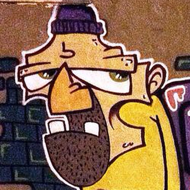 Qual foi ??? #artistasurbanoscrew #ruasdazn #streetartrio #writers #rjvandal #ilovegraffiti #graffitiwriters #urbanart #streetart #loveart #spraypaint #tramp #oldschool #graffiti #culturaderua