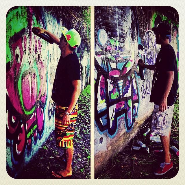#djonereal & @sockppxi #niemeyer #oldpic #streetart #streetartrio #graffiti @marygirlstyle