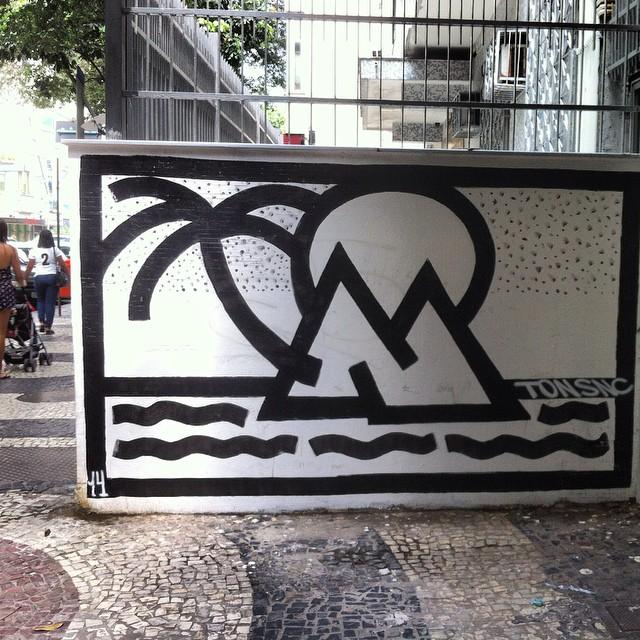 #graffiti #streetart #streetartrio #leblon #doisirmãos