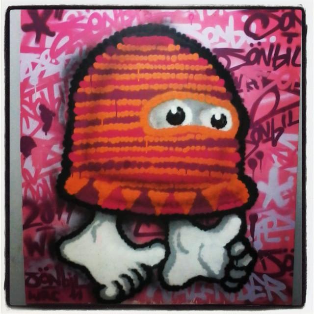 #graffitirj #graffiti #streetartrio #streetart #sonbil #utoca #brasil #instagrafite #canvas #cold Meu companheiro de atelie, mano utoca...