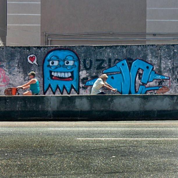 #instaart #spray #riodejaneiro #rj #instagraffiti #graffiti #graffite #artederua #art #artist #urbanart #graffitibrazil #graffitebrazil #loveart #spraypaint #streetart #freestyle #graffitirj #graffrio #rua #mtn #hiphop #streetartrio #ruasdazn #trapacrew #tafaltandomuro JC. Cast morisco botafogo um dia de ataque faz um tempo foto !