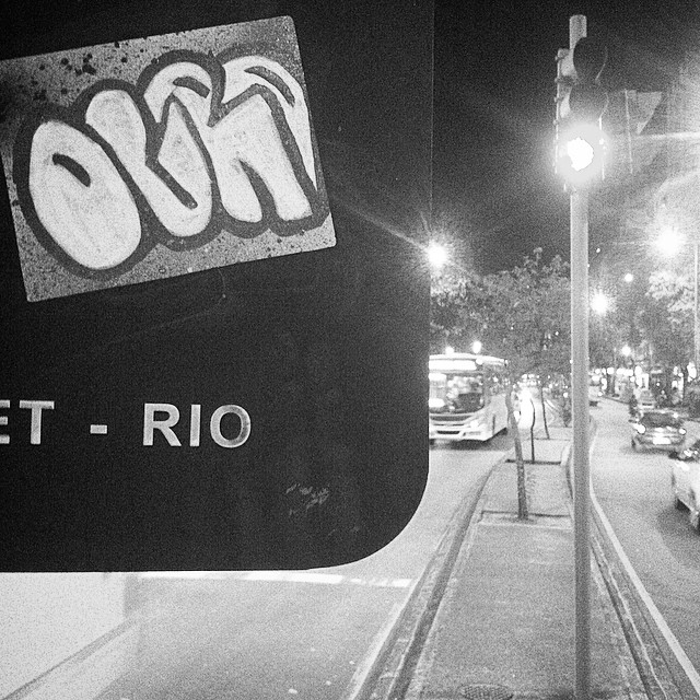 #ogrostyle #rjstickers #rolezinho #errejota #zonanorte #streetart #streetartrio #slapart #slaps #slapstickers #stickerporn #stickersbomb #stickerattack #pissinonbabylon #adesivandoasruas #artederua #arteurbana