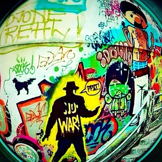 #ppxi  #photo @diogolamarca  #streetart @idolnoproject @sockppxi @marygirlstyle #graffiti #djonereal #tagsandthrows #persona #tito #sock #por #fisheye #streetartrio #stencil