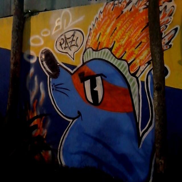 #ratimblu #graffiti #galeria #graffitiartist #graffiti_magazine #galeriaderua #sprayart #streetArtRio #arturbana #art #artenarua #instagraffiti #ilovegraffiti #ilhazonanobre #kobra