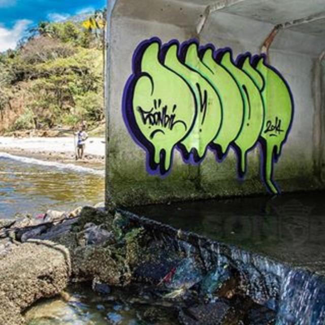 #sonbil #bomb #graffiti #graffitirj #streetartrio #instagrafite #streetart #brasil #rio Programa Sena Limpa - Praia da Bica RJ E tem gente que acredita em politicos...